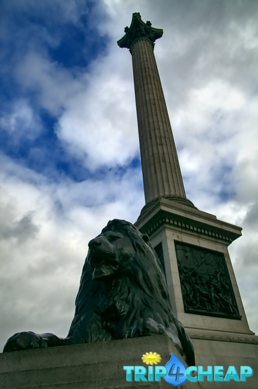 Kolumna Nelsona na Trafalgar Square w Londynie