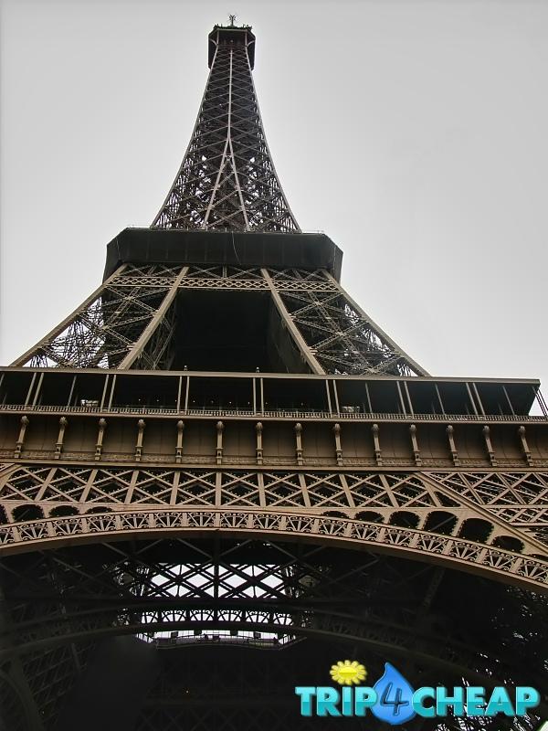 Wieża Eiffla-Paryż