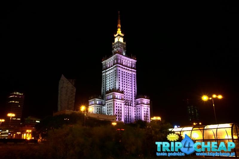 Warszawa-Palac Kultury i Nauki w nocy