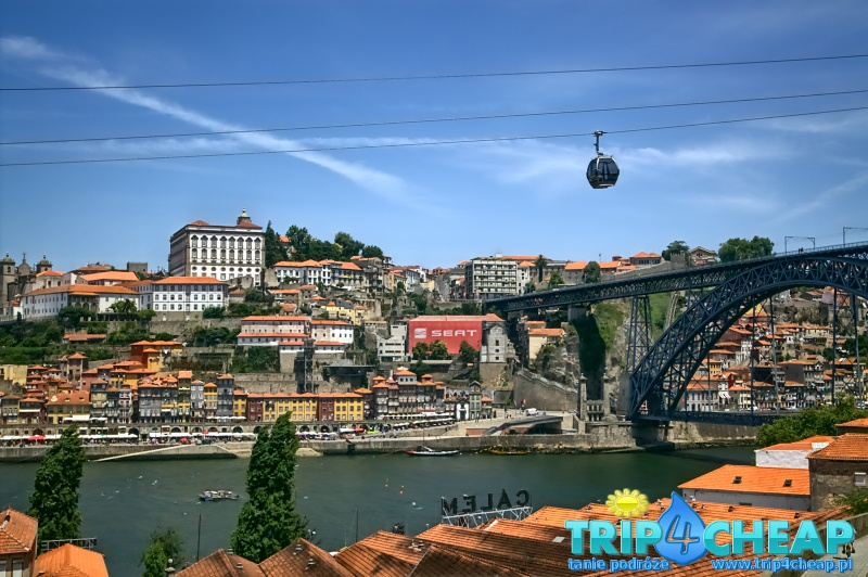 Widok na dzielnice Rebeira i most Ponte Dom Luis I-Porto